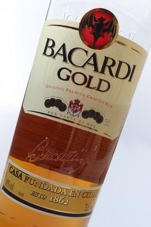 Bacardi Gold b1